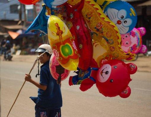 Tet balloon seller