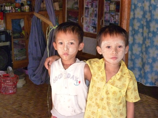 Children with thanaka
