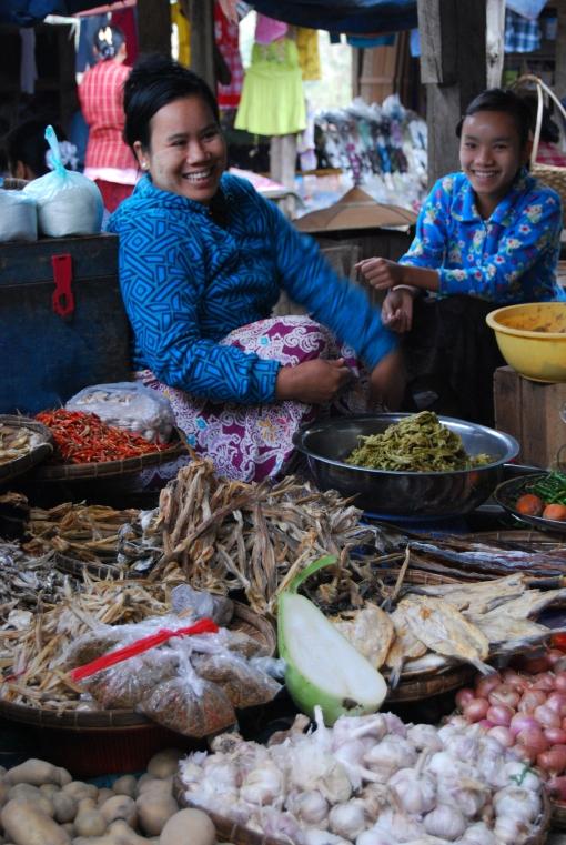 Bhamo market sellers